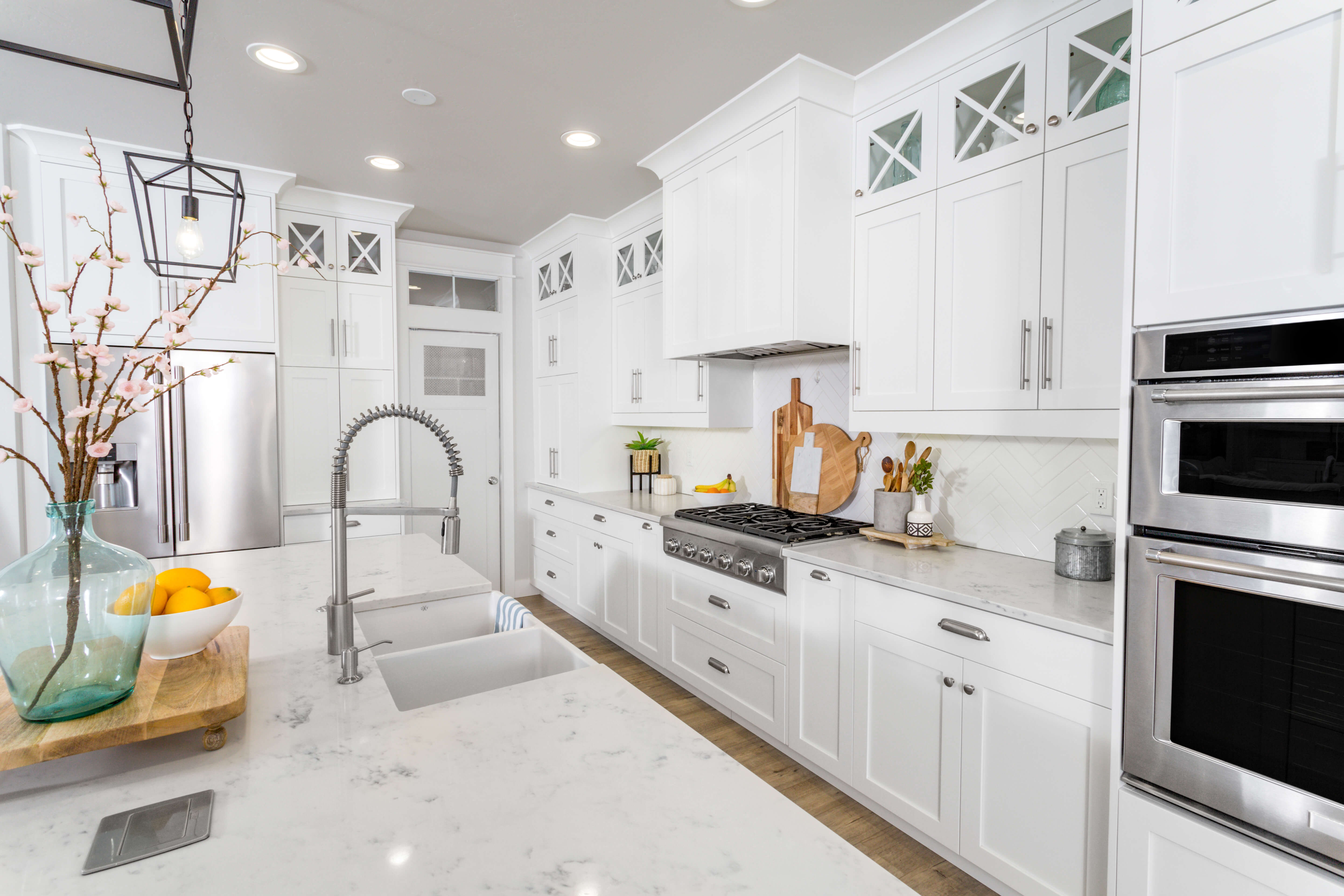 A remodeled kitchen in a modern farmhouse.